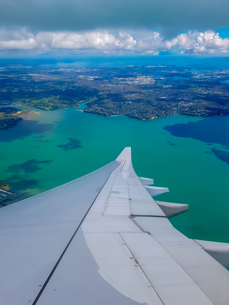 Plane into Auckland